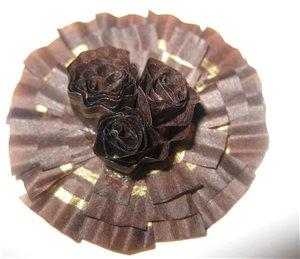 7 Квіти із цукеркових обгорток-тарілочок